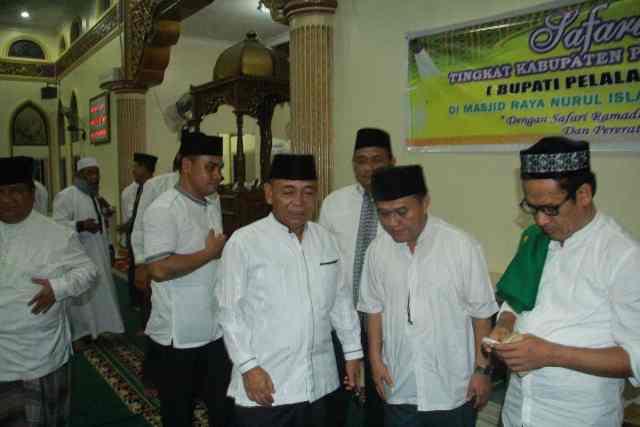 Usai Acara, Salam-salaman bersama pejabat dilingkungan pemkab dan masyarakat